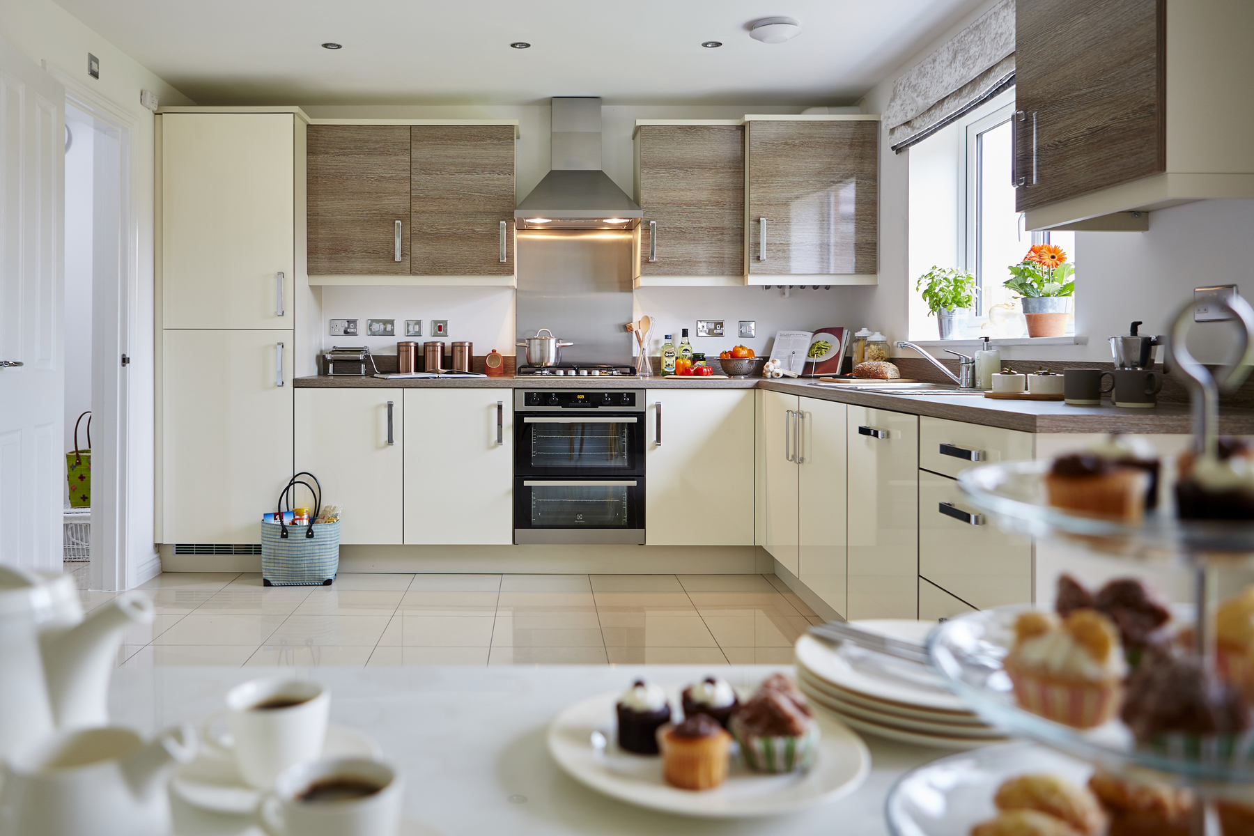 tw_swales_kingsmead_caerphilly_pa44_midford_kitchen_dining